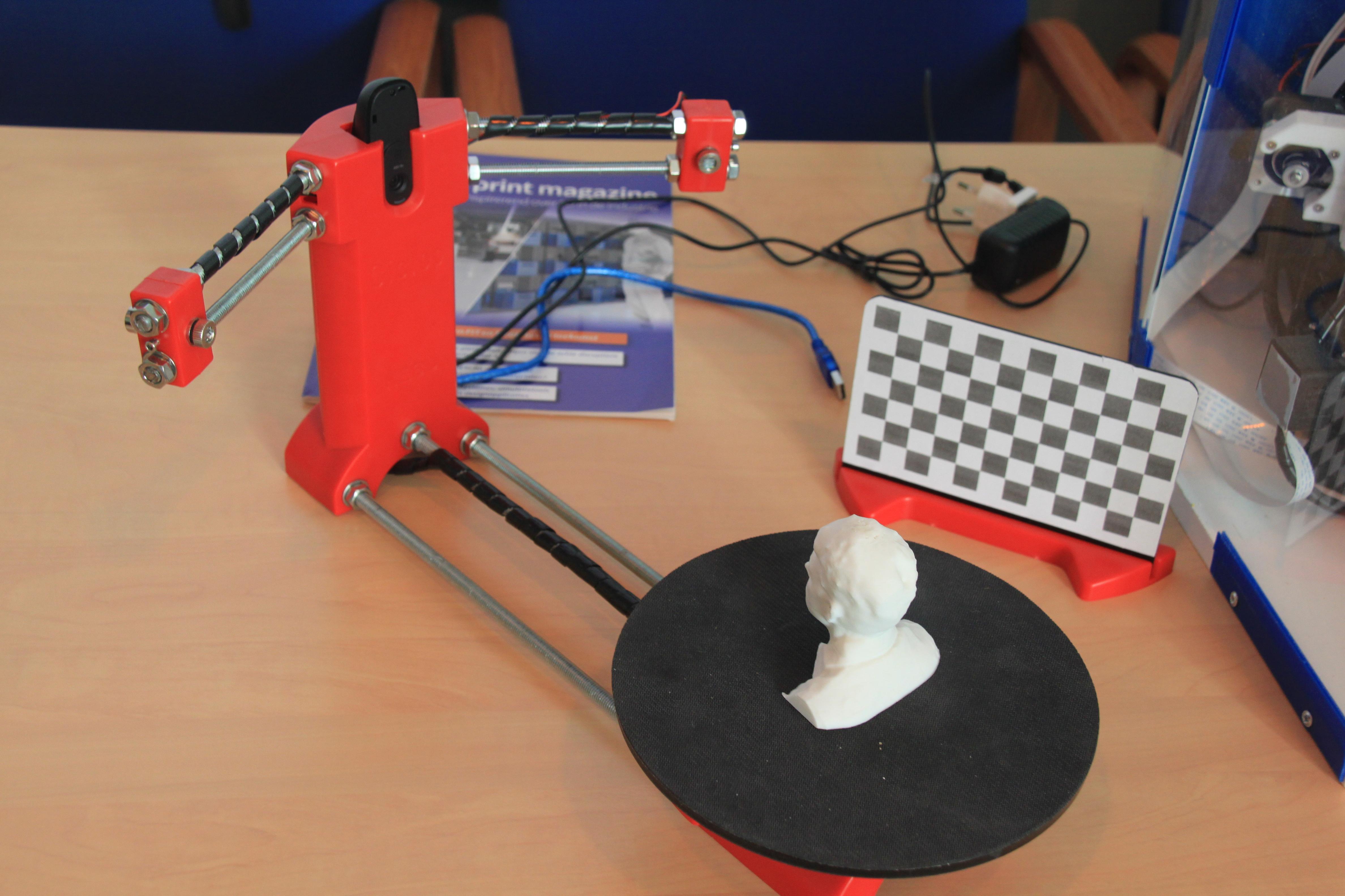 2017-06-07 - 08 - 3D printing demo HCC!Noord-Limburg
