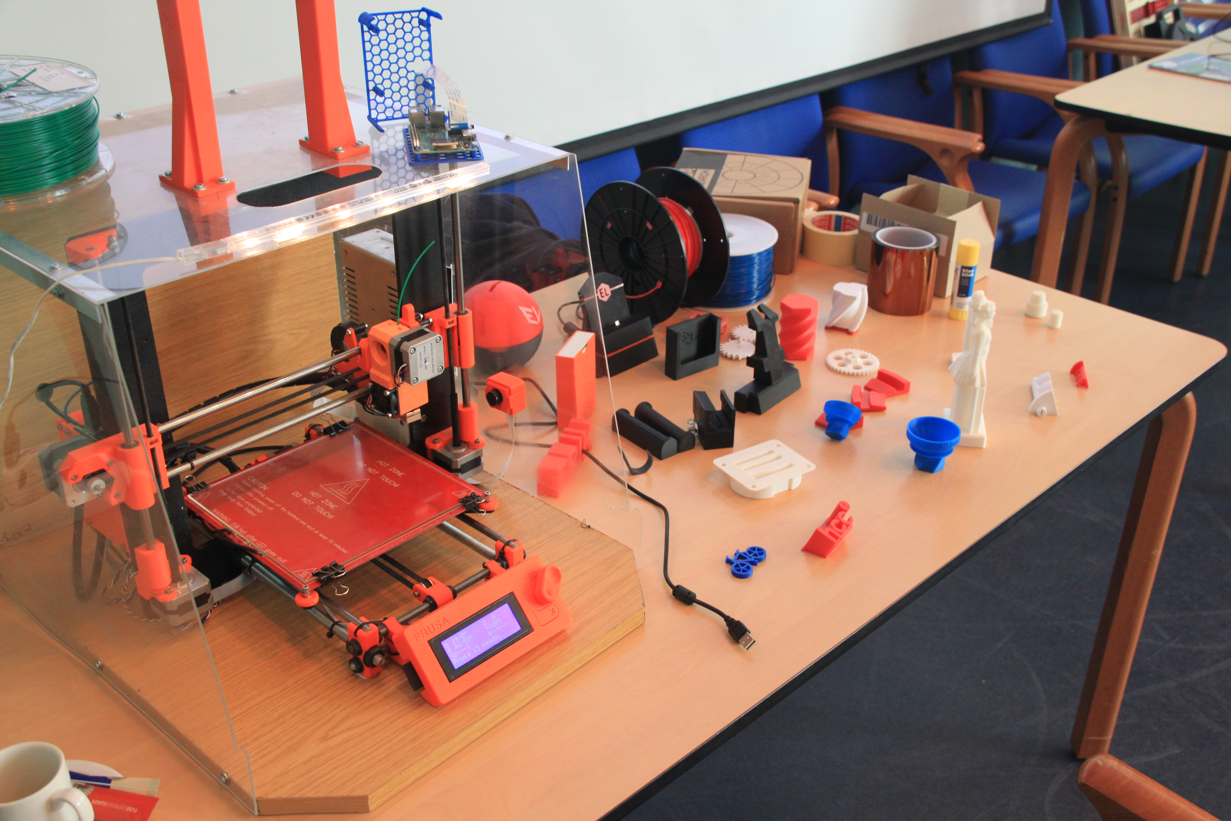 2017-06-07 - 05 - 3D printing demo HCC!Noord-Limburg